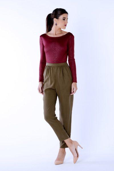 Pantalón baggy en color caqui y burdeosDiseñado y confeccionado en España