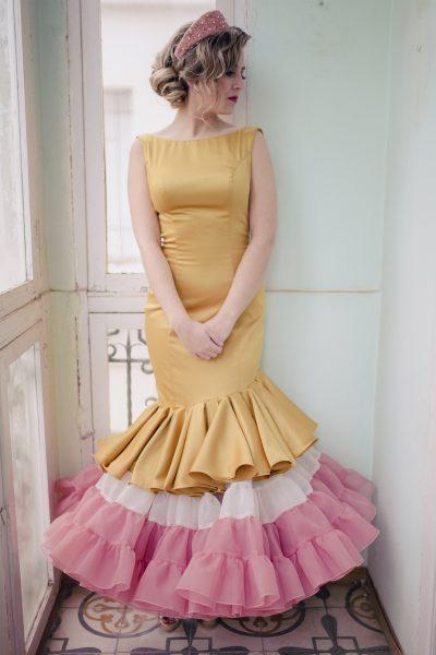 vestido de flamenca en dorado