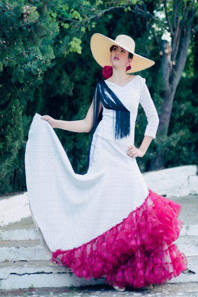 Falda flamenca enrejada con volantes asimétricos en buganvilla.